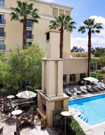 Passover Resorts 2021 in Valencia California