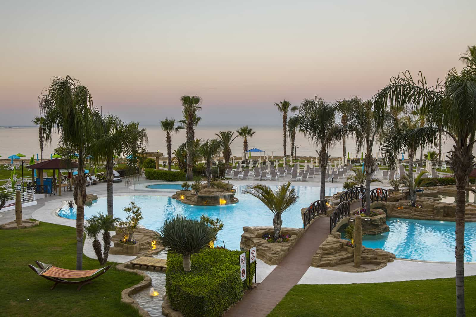 Luxurious Pesach at the Mesmerizing Beachfront Leonardo, Paphos!! 1