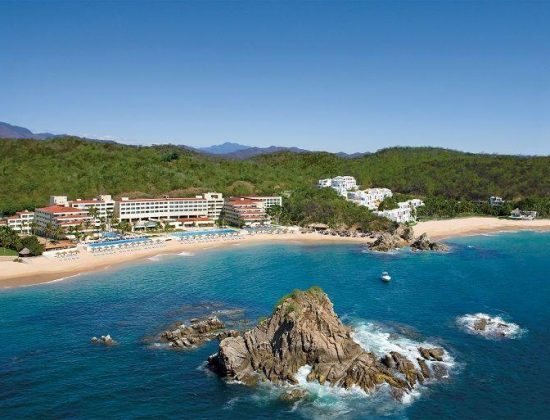 Le Voyage Passover Vacation 2022 in Huatulco, Mexico